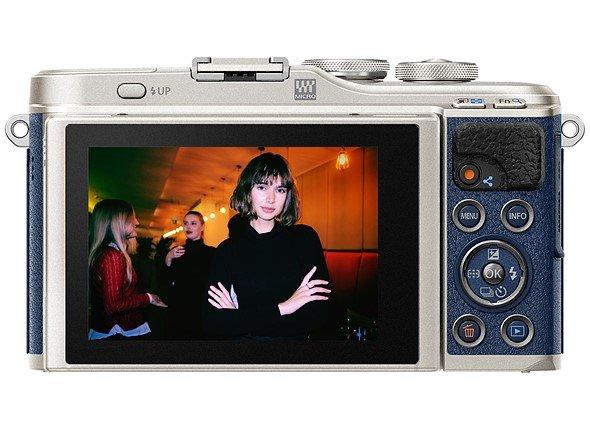 Камера Olympus PEN E-PL9 доступна в варианте для любителей джинсов